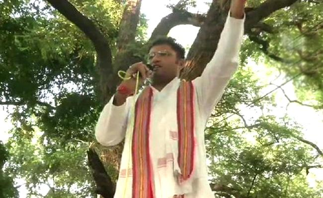 Ashok Tanwar Makes Sensational Allegations - Sakshi