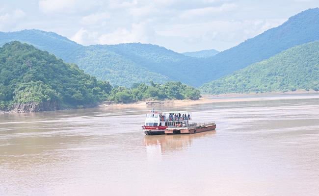 Devipatnam boat capsizes continuing search operation - Sakshi