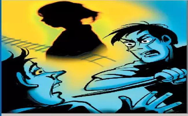 Wife Killed Husband With The Help Of Extra Marital Sexual Partner In Mahabubabad - Sakshi