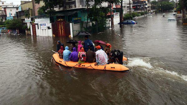 Flood Situation Remains Grim In Patna - Sakshi