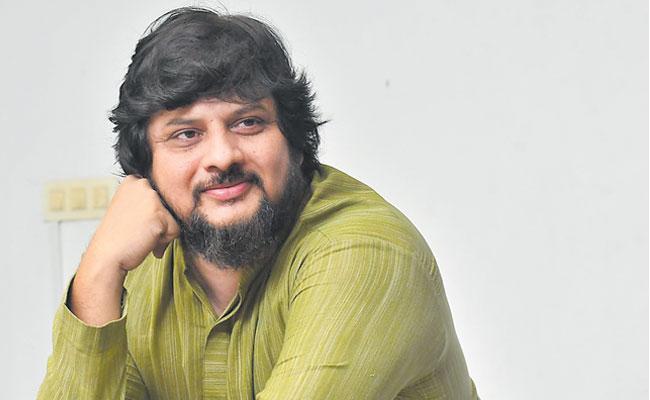 Director Surender Reddy Talk About Saira Narasimha Reddy Movie - Sakshi