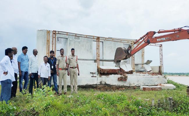 Removal Illegal Aqua Ponds In Srikakulam District - Sakshi