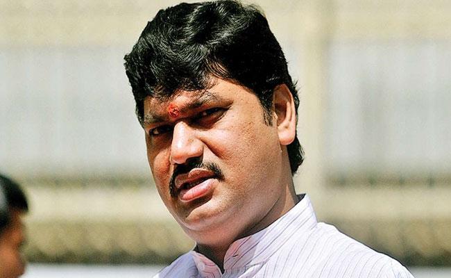 Maharashtra Polls Police Case Registered On NCP Candidate For Obscene Remarks - Sakshi