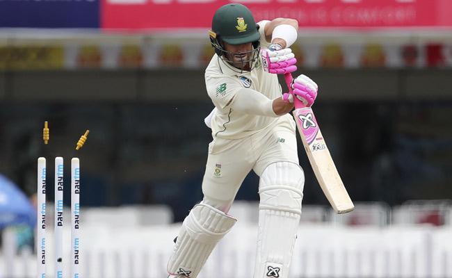 Umesh Yadav Gets Du Plessis Early - Sakshi
