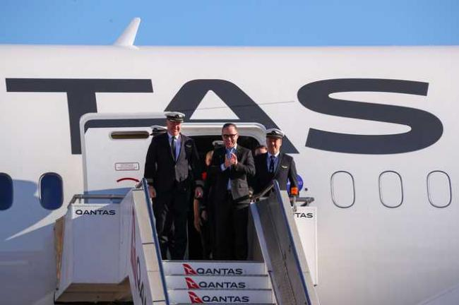 Longest Direct Flight Arrives In Sydney From New York - Sakshi