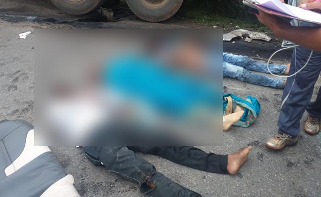 Six killed , Sevaral Injured in Three Separate Road Accidents - Sakshi