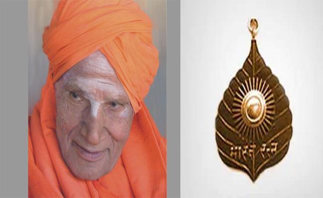 Jagadish Shettar Argue To Why Not Give Bharata Ratna to Shivakumara Swamy - Sakshi