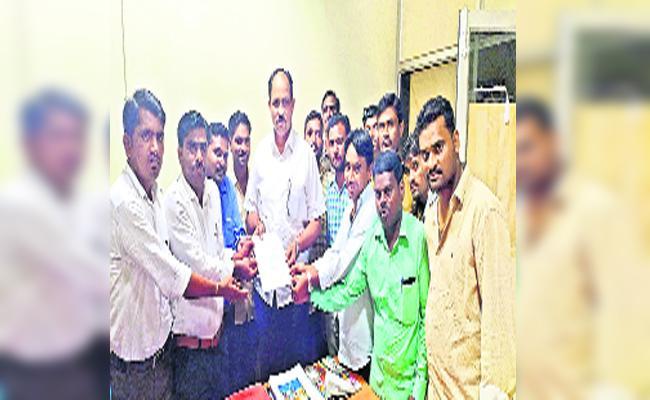Model School Teachers Worried About Salaries In Adilabad - Sakshi
