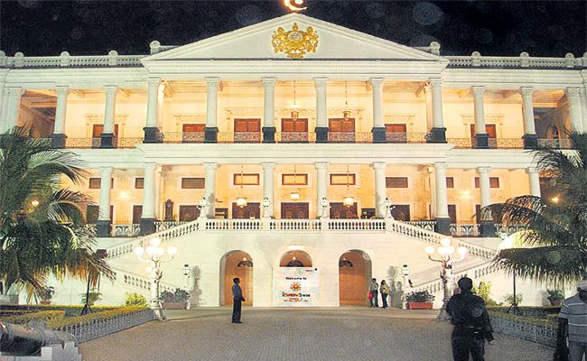 Falaknuma Palace Completes 125 Years Special Story - Sakshi