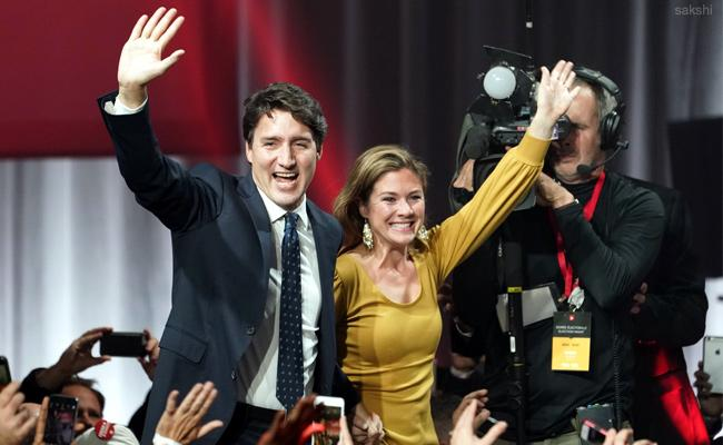 Justin Trudeau Liberals win Canada election - Sakshi