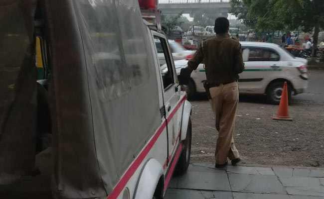 Taxi Driver In Delhi Arrested For Allegedly Duping US National - Sakshi