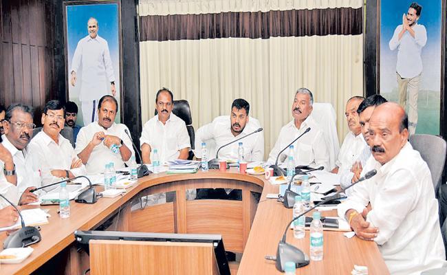 Anilkumar Yadav Comments about Reverse tendering process success - Sakshi
