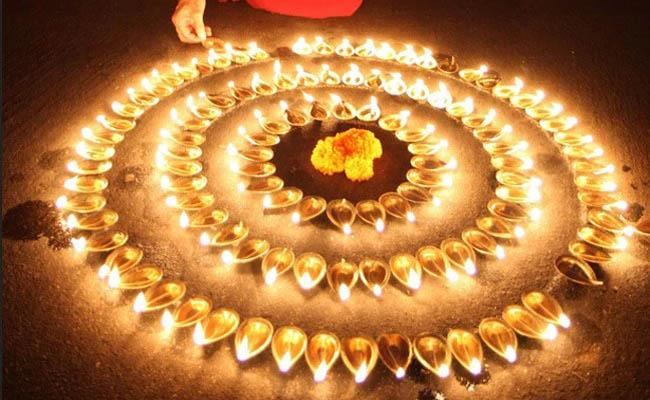 Differences in Diwali Celebrations in North and South India - Sakshi