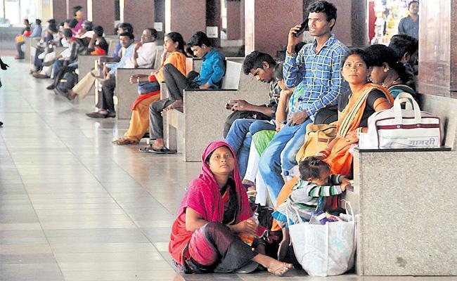 RTC Strike Reach 18th Day in Telangana - Sakshi