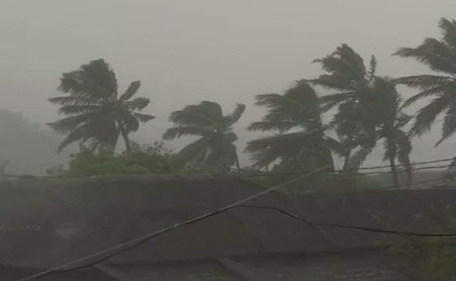 Heavy Rain For Next Three Days - Sakshi