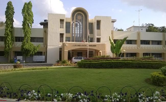 Hyderabad Central University Among Top 10 - Sakshi