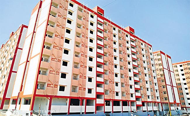 Central Government Stops Double Bedroom Housing Scheme Funds - Sakshi