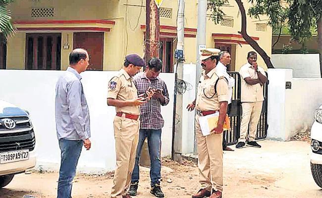 Investigation Speed Up in Robbery Case Hyderabad - Sakshi