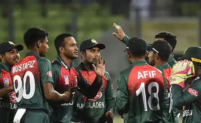 Bangladesh Cricketers Call Off Strike After BCB Assurance - Sakshi