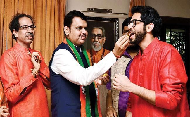 Maharashtra Election : CM Question Wide Open as Sena Wants Thackeray Rule - Sakshi