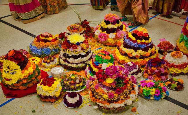 Bathukamma, Dussehra Celebrations At Portland America - Sakshi