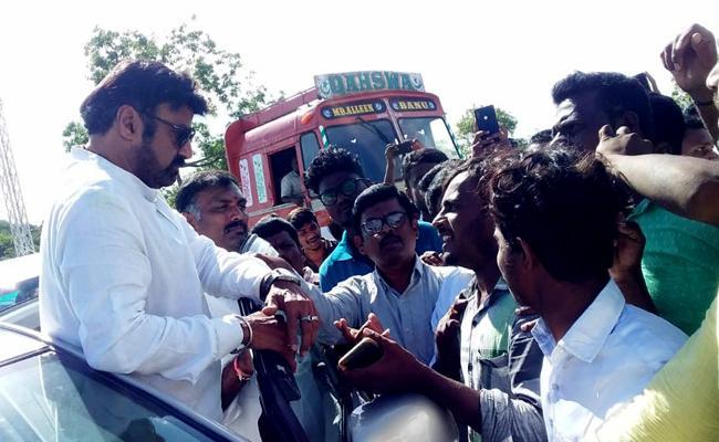 People Blocked Bala Krishna Car At Galibipally - Sakshi