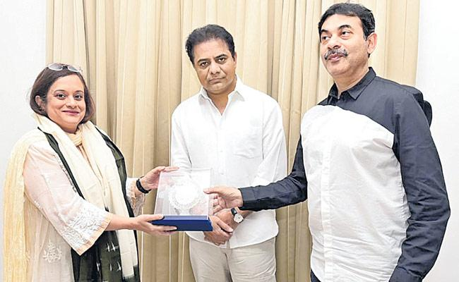 KTR Meet With Nasscom President Devayani Ghosh - Sakshi