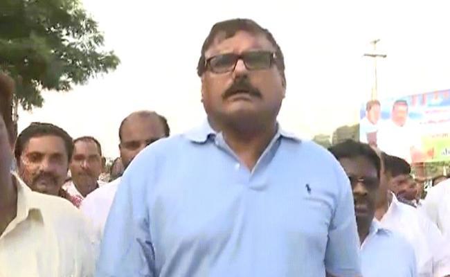 Minister Botcha Satyanarayana Visited Guntur District - Sakshi