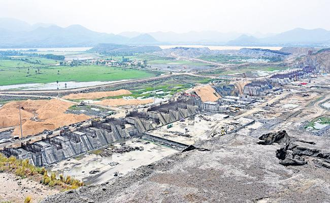 Central finance ministry has responded positively to the proposals to release Rs 3000 crores to Polavaram - Sakshi