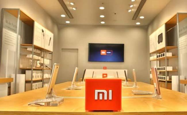 Smartphone shipments hit record high of 49 million, Xiaomi most dominant brand in Q3  - Sakshi