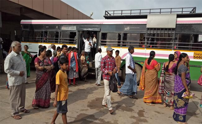 Sakshi Special Story On TSRTC Strice Effect In Rural Areas