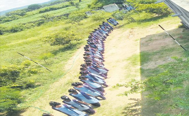 MP Santosh Kumar Give Mplads To Gudur ZPHS Toilet Construction - Sakshi
