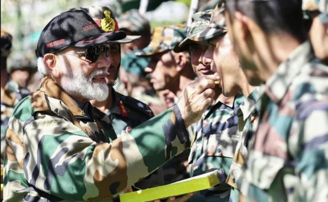 PM Modi Visit To Troops For Diwali Celebrations Along LoC Left Them Ecstatic And Proud - Sakshi