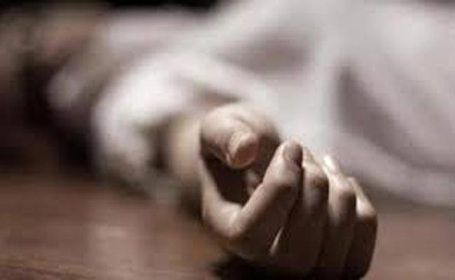17 Year Old Mumbai Student Committed Suicide By Jumps Off 15th Floor In Mumbai - Sakshi