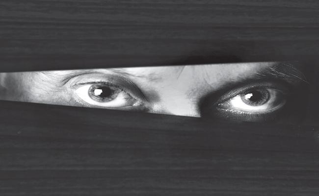 Serial killer in the Eluru city - Sakshi