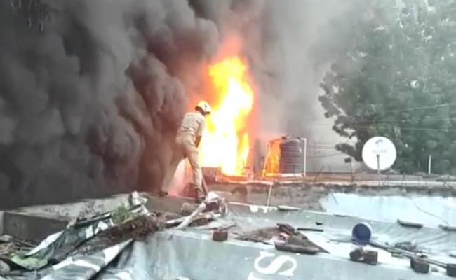 Fire Accident In Tyre Godown Vanasthalipuram At Hyderabad - Sakshi