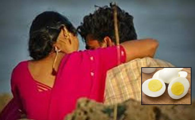 Woman Runs Away From Husband For Eggs In UP - Sakshi