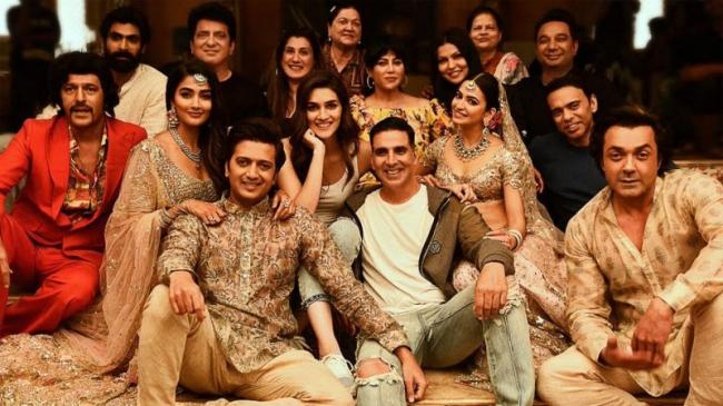 Akshay Kumars Latest Release Housefull 4 Has Done A Great Opening At The Box Office - Sakshi