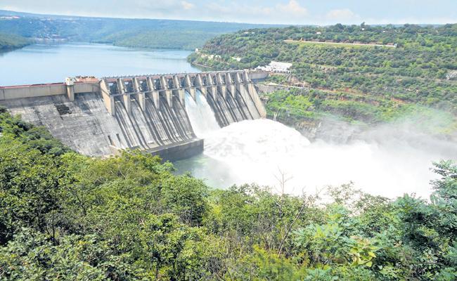 Srisailam water level towards maximum level - Sakshi