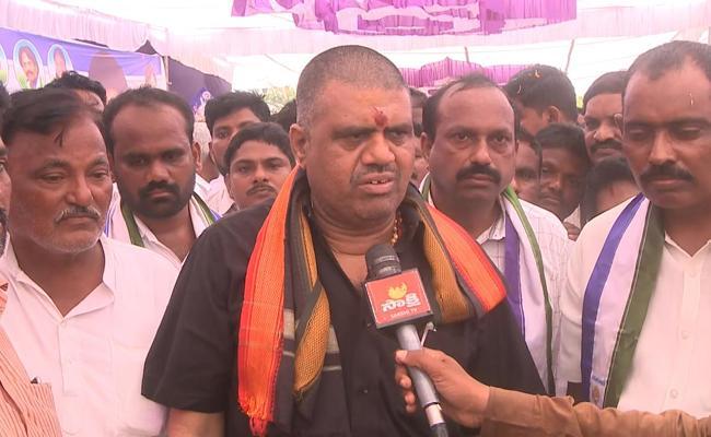 AP Minister Avanthi Srinivas And MLA Karanam Dharmasri Slams On Chandrababu Naidu  - Sakshi