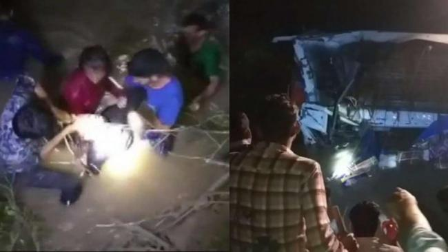 Madhya Pradesh: Bus Falls Into River In Raisen - Sakshi
