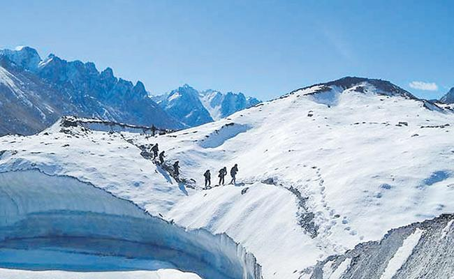 Indian Army Plans To Open Siachen Glacier For Civilians - Sakshi