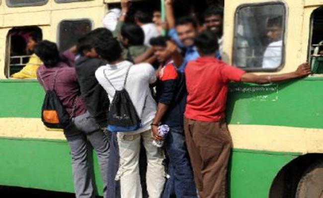 Conductor Harassment on Lady Doctor in Tamil Nadu - Sakshi