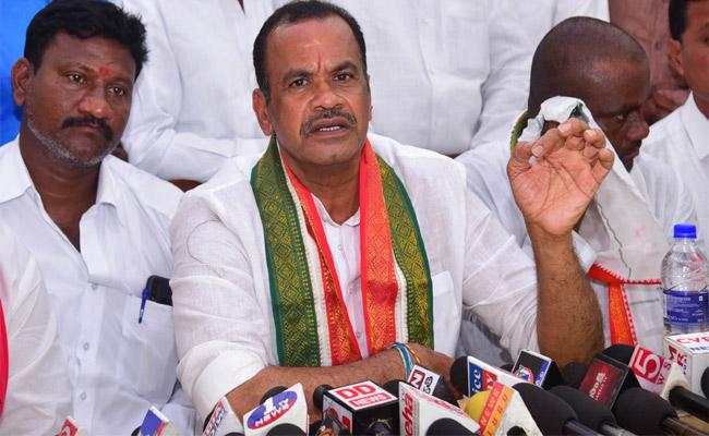 To Defeat A Single Woman TRS Is Making Conspiracy - Sakshi