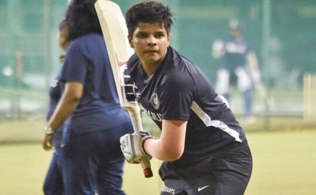 Shafali Verma Father Says She Was Forced To Trim Hair To Play Cricket - Sakshi