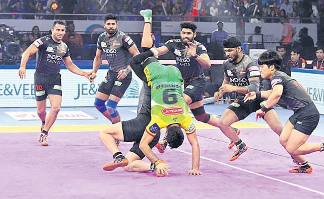 U Mumba Reach Playoffs With Win Over Patna Pirates - Sakshi