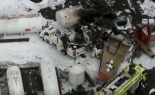 Seven dead as WWII-era plane crashes in US - Sakshi