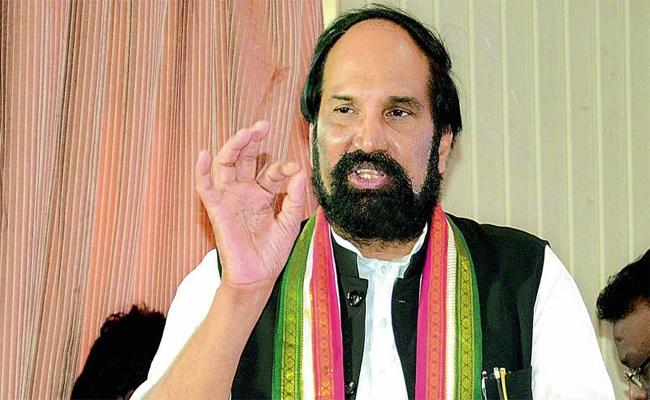 Uttamkumar Reddy says RTC workers are being harassed  - Sakshi