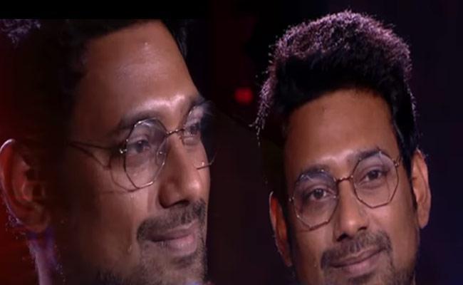 Bigg Boss 3 Telugu: Varun Cry While Watching His Memories - Sakshi