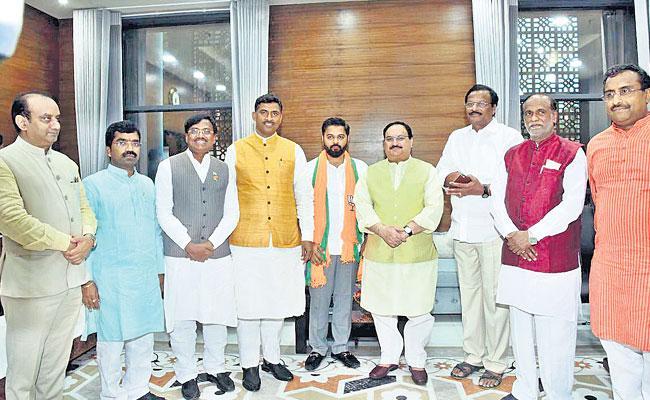 Tulla Verendar Goud Joins In BJP - Sakshi